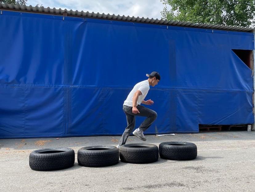 träna-svettas-med-däck